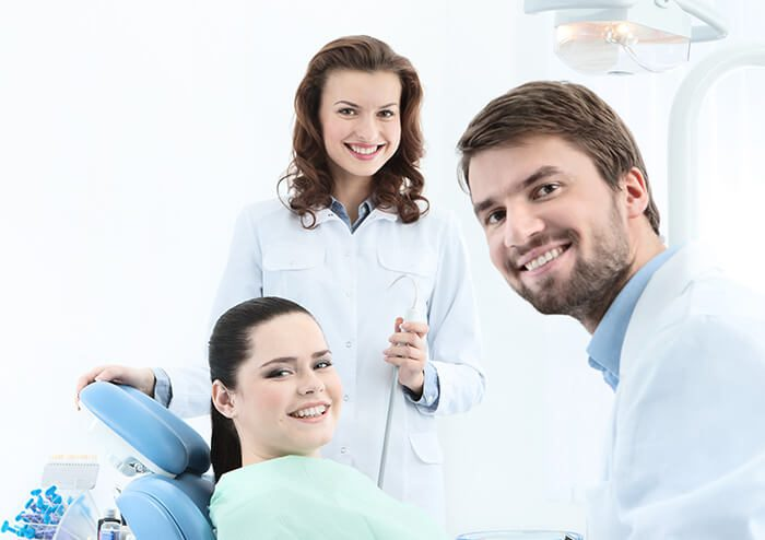 SDdentist with patient