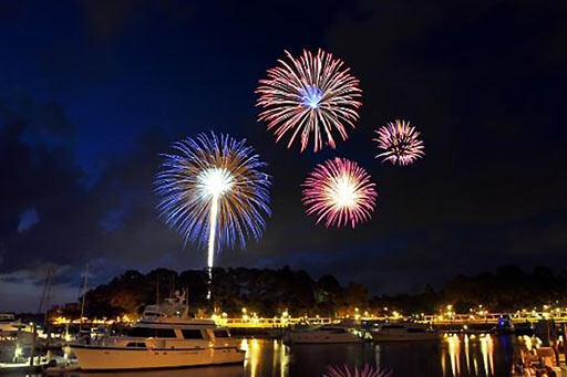 SPP Beautiful Fireworks At The Bay