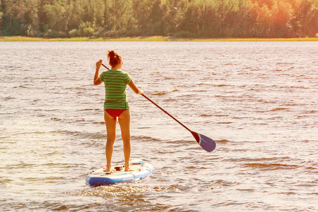 SPP Person paddle boarding