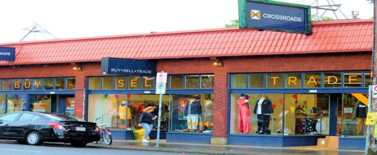 The Benefits of Shopping Responsibly and Cheaply At Thrift Stores
