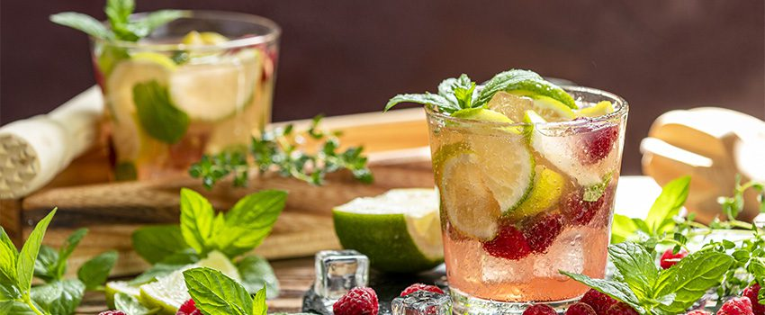 Read more about the article Rum Cocktail Recipes: What Mixes Well with Rum?