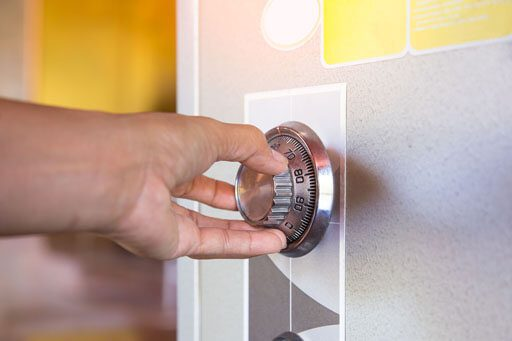 ALS -Opening a Safe Lock